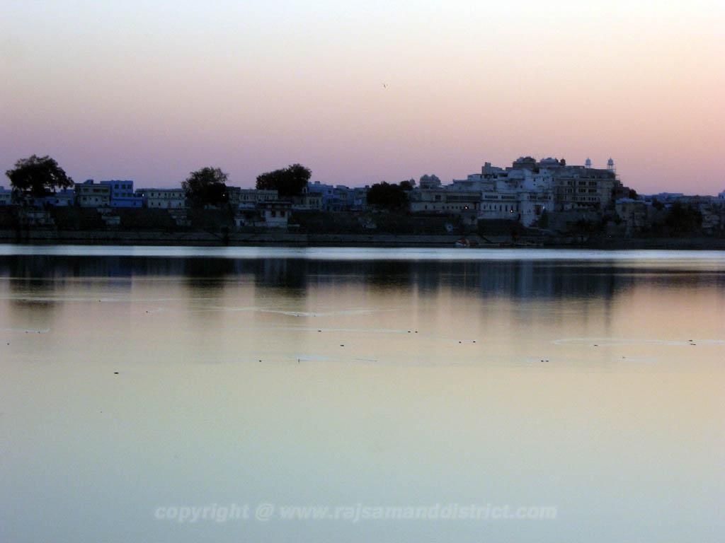 राजसमन्द झील