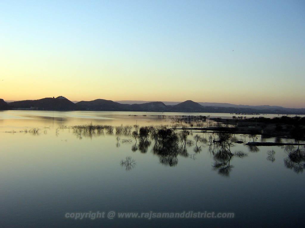 राजसमन्द झील का फोटो